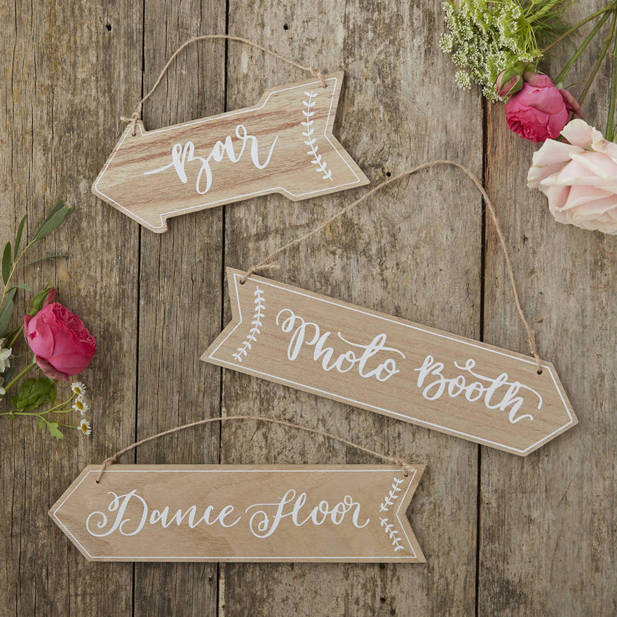 Rustic Vintage Wooden Arrow Directional Sign Set - Wedding Arrows | Confetti.co.uk