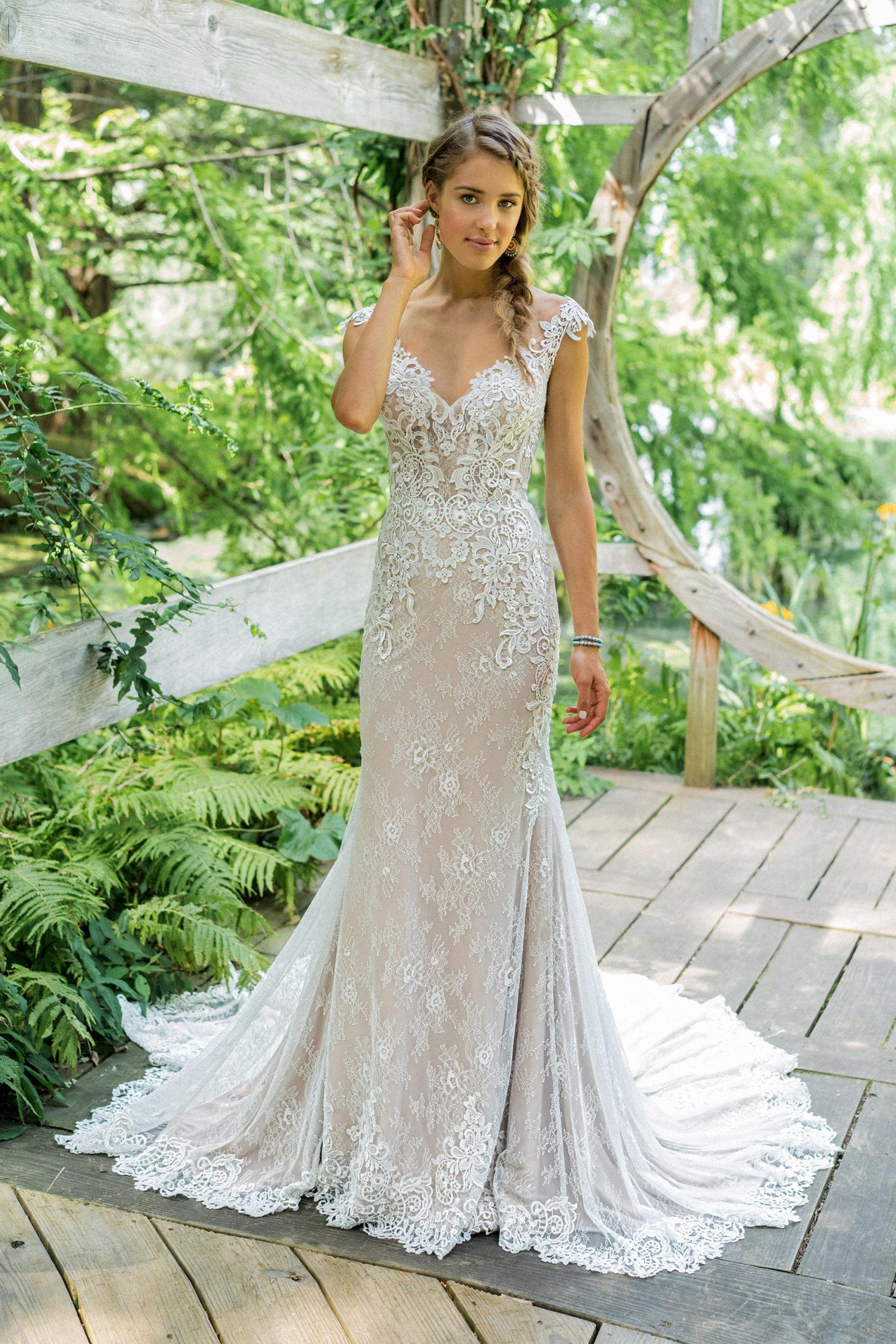 Lace Wedding Dresses 23 Of The Most Beautiful Lace Bridal Gowns