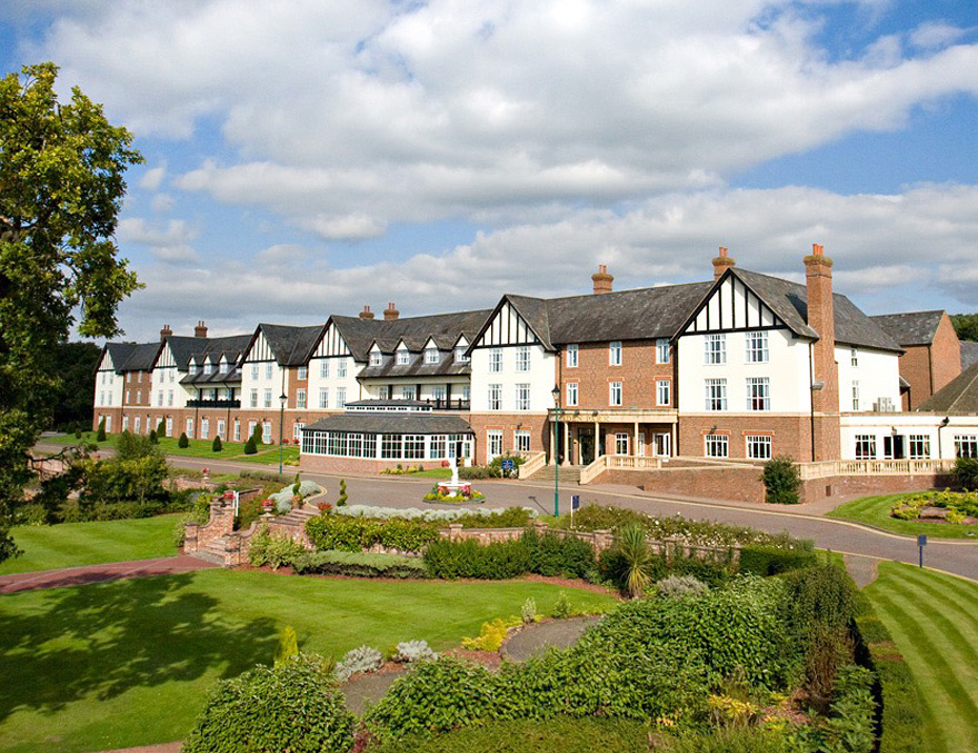 De Vere Carden Park Hotel Golf Resort and Spa in Cheshire - Cheshire Countryside Wedding | Confetti.co.uk