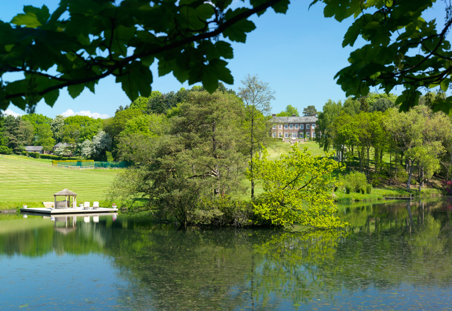 Delamere Manor Lake and Lawns - Cheshire Countryside with Jetty | Confetti.co.uk