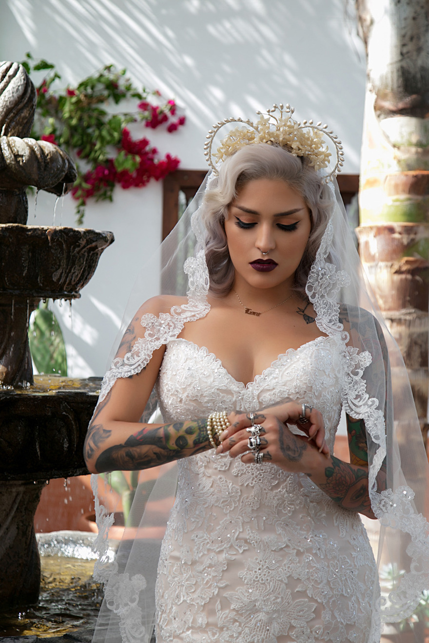 Glamorous Bride with Tattoos - Photography by Danielle DeBruno | Confetti.co.uk