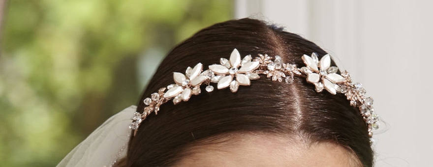 Large Daisy Flower and Diamante Band Linzi Jay - Flower Inspired Wedding Tiara - Pretty Bridal Tiaras | Confetti.co.uk