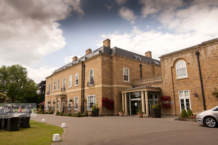 Orsett Hall Wedding Venues in Essex by Stephen Minett from GetMyPhoto | Confetti.co.uk