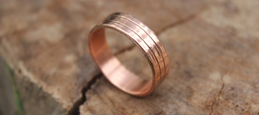 Wide Copper Wedding Band With Lines - Hand Forged Copper Ring - Minimalist Copper Men's Wedding Ring by MountainUrsusDesigns on Etsy | Confetti.co.uk