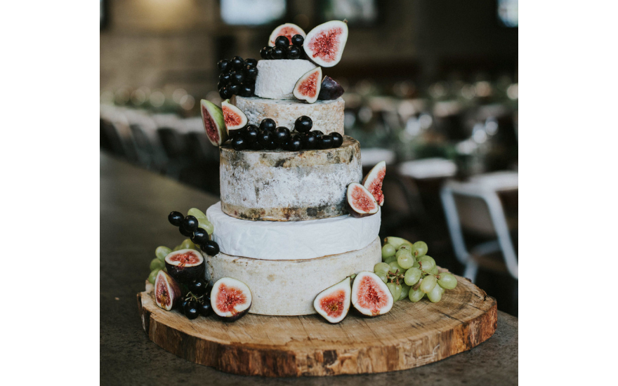 cheese-fig-wedding-cake