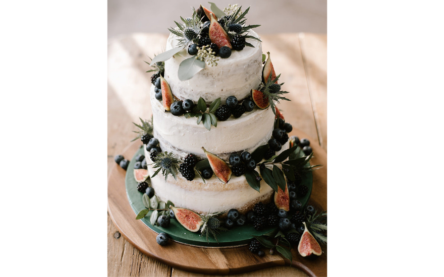 white-fig-wedding-cake