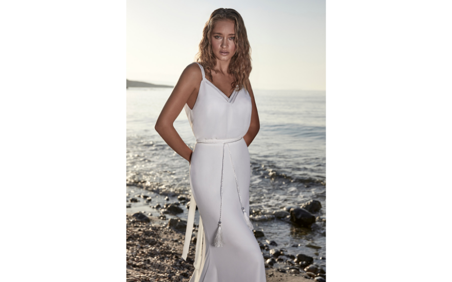 simple wedding dress for beach weddings