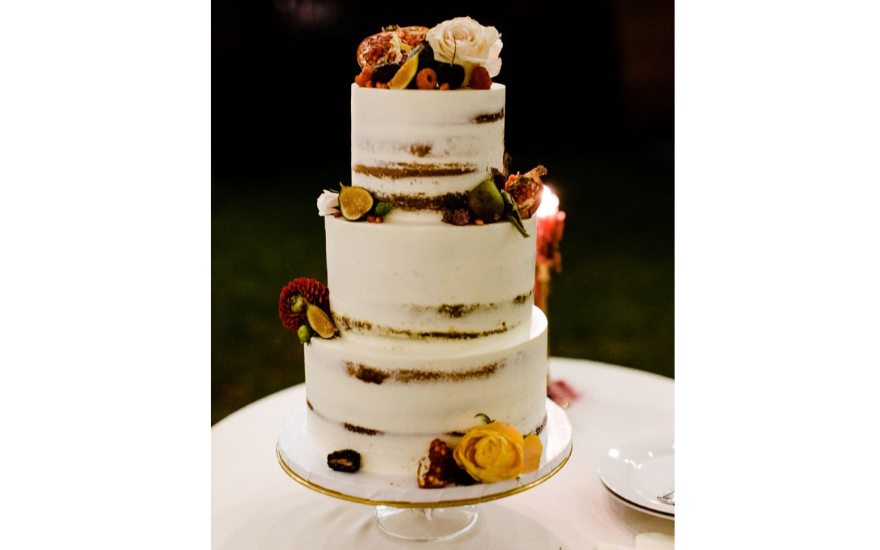 nearly-naked-white-wedding-cake
