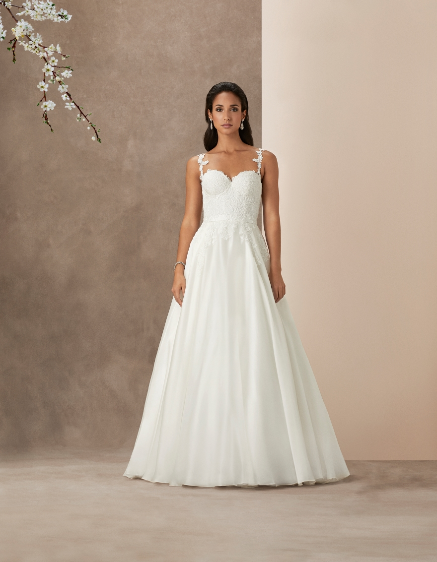 wedding-dress-with-lace-straps