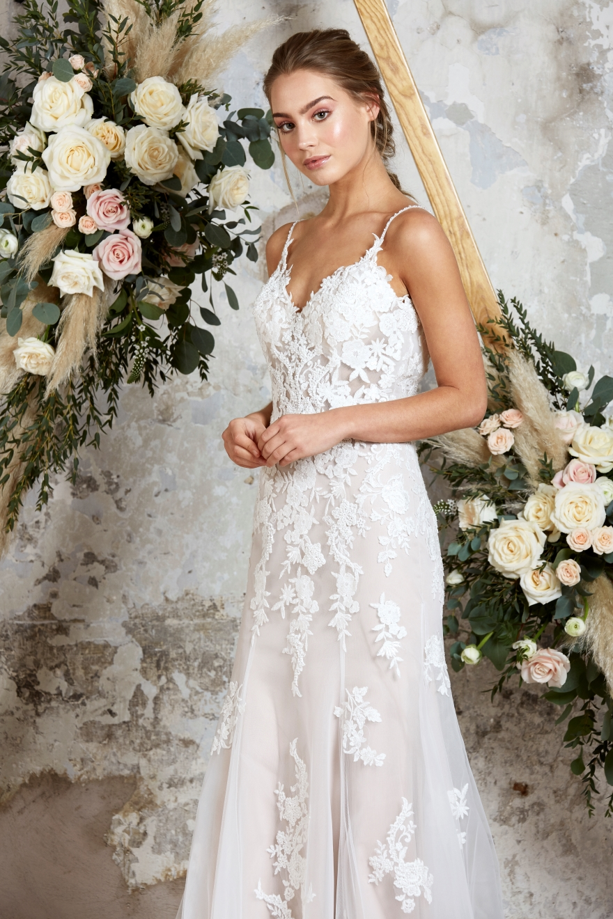 lace-wedding-dress-with-straps