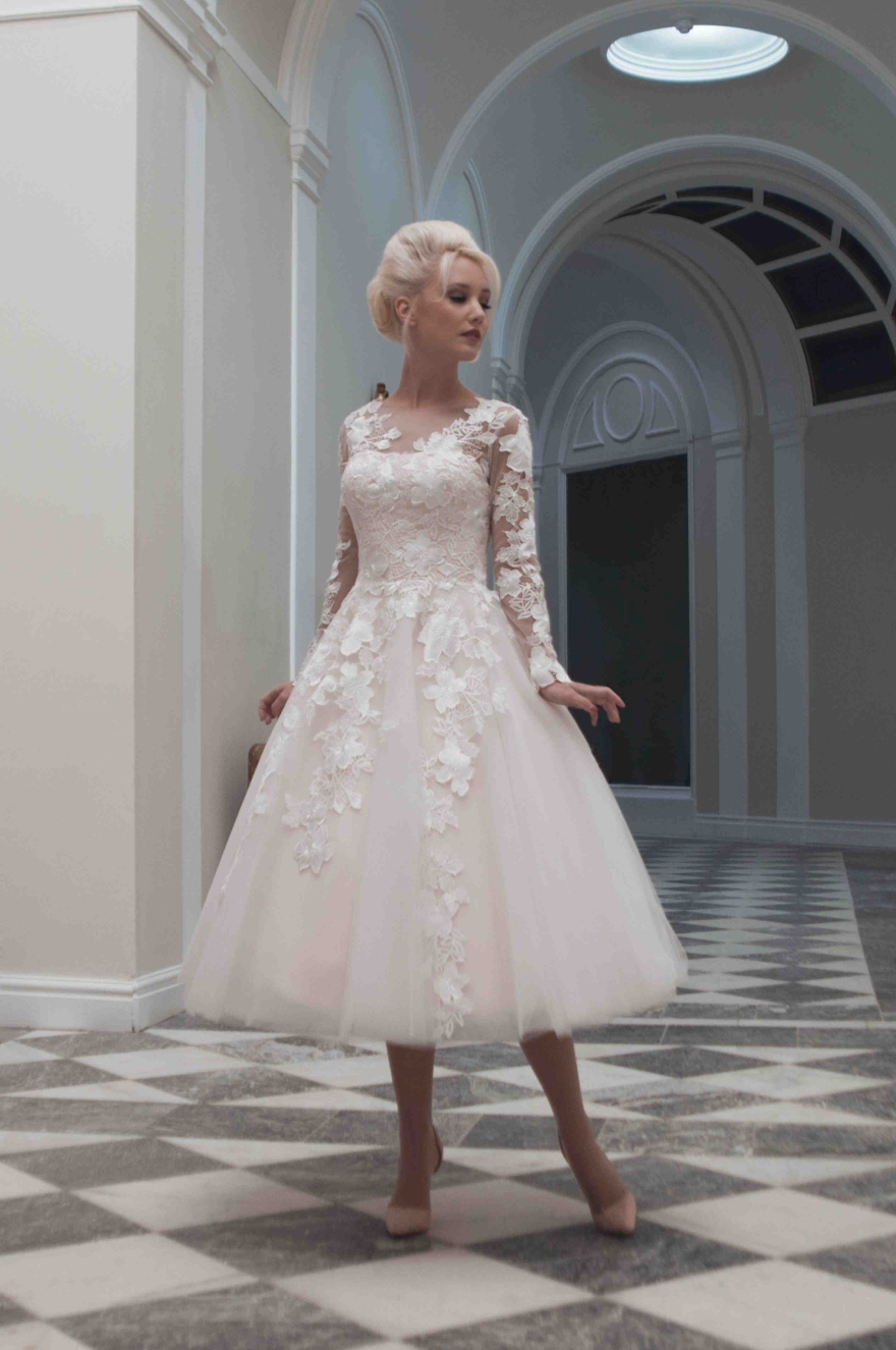 long-sleeved-short-wedding-dress