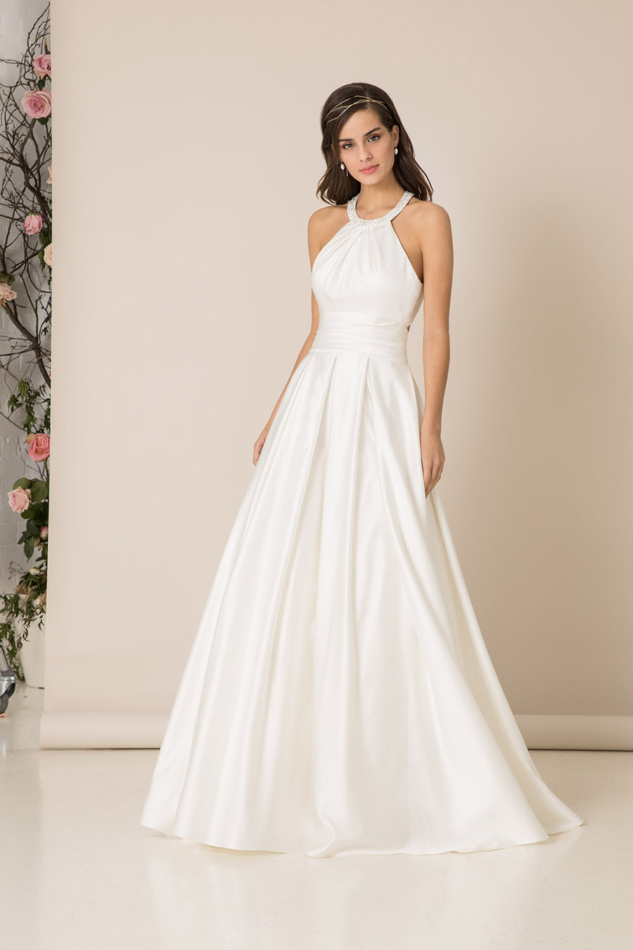 halter-neck-wedding-dress-for-older-brides