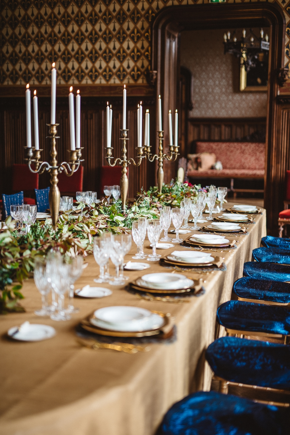 gold-wedding-table-decorations