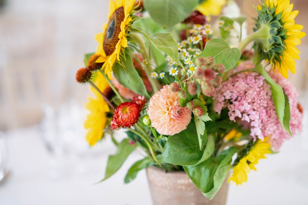 flowers-for-barn-wedding-venues