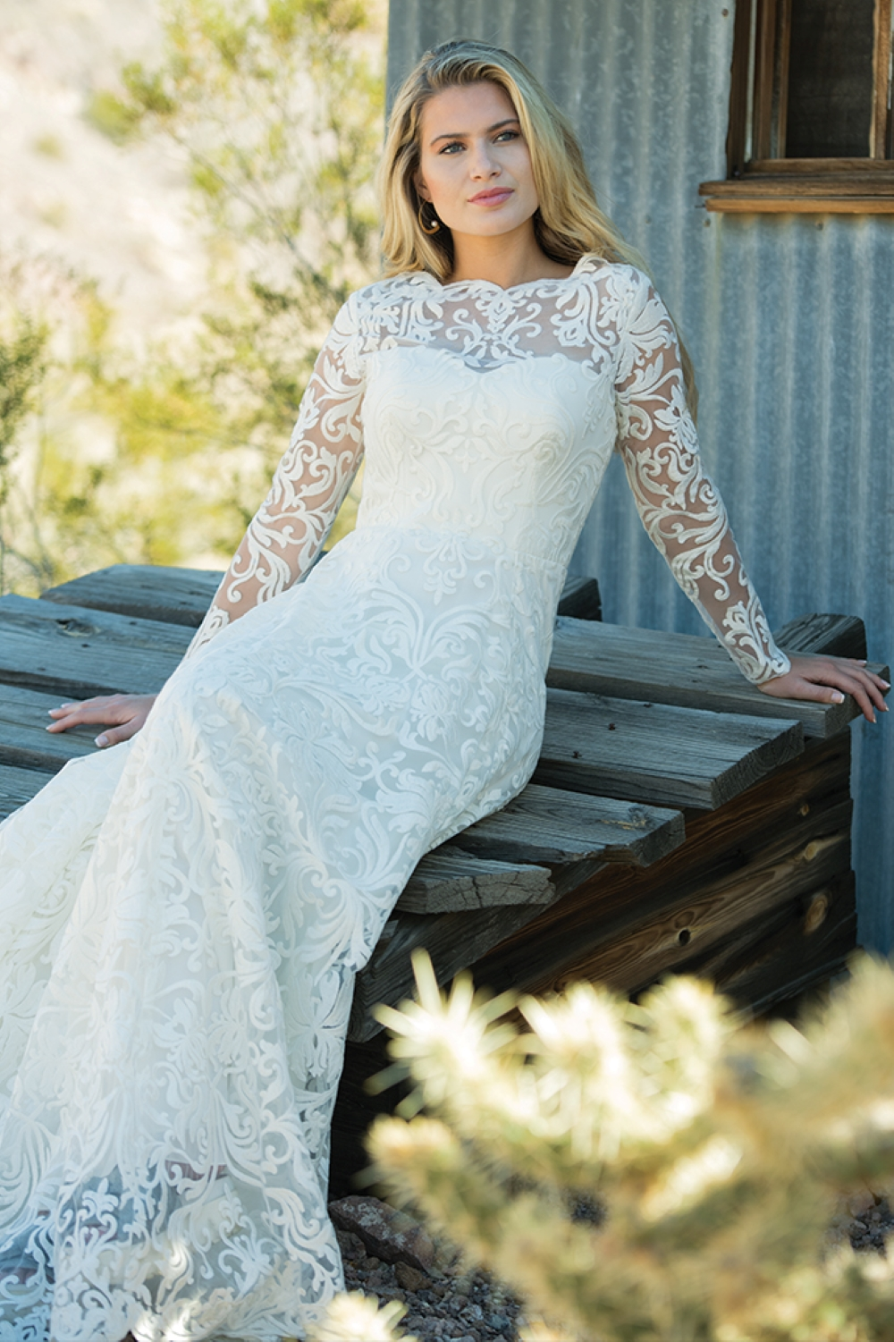 lace-long-sleeved-wedding-dress