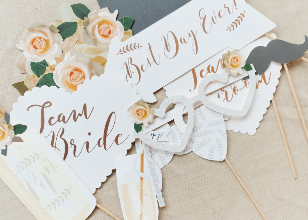 wedding-photo-booth-props