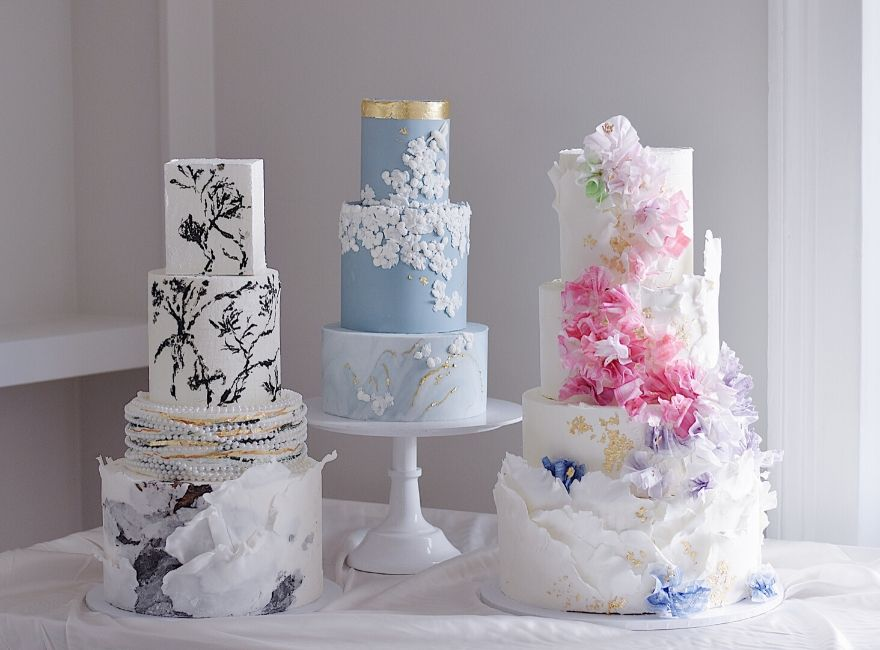 Trio of traditional style wedding cakes by Belsize cakes